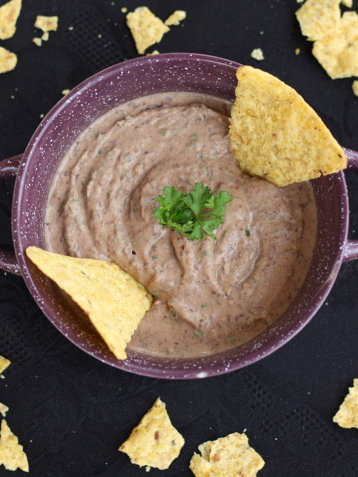 Spicy Black Bean Hummus - a Southwestern, healthy, gluten free spin on traditional hummus!