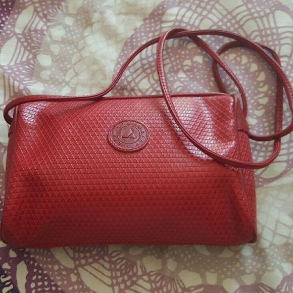Vintage 80s Red Liz Claiborne Purse Cute Lil crossbody purse.  Vintage 80s jewel tones red Vintage Liz Claiborne Liz Claiborne Bags Crossbody Bags