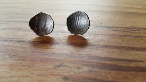 Sterling silver textured stud earrings Modern by HesisJewelry
