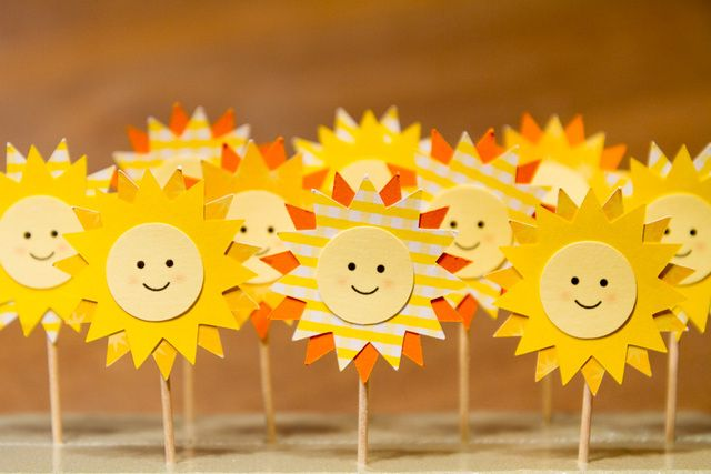Sun toppers at a Sunshine Party #sunshine #party