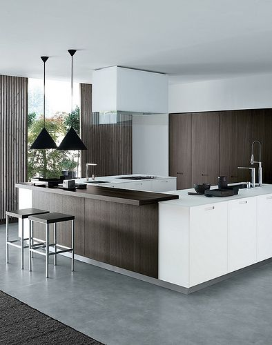 U-shape is easy to cook with, brown and white kitchen. poliform.