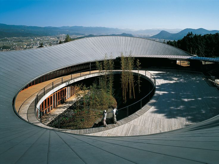 Hiroshi Naito - Makino Botanical Museum, Koshi 1999 (Japan) | http://www.detail.de/inspiration/botanisches-museum-in-koshi-107339.html