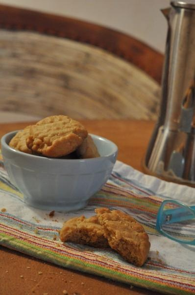 RECIPE: Peanut butter cookies with coconut oil
