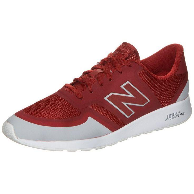 Czerwone buty męskie New Balnce z białym wykończeniem, model MRL420GR, wykonano z najwyższej jakości materiałów tekstylnych oraz syntetycznych (dodatki). Zarówno od strony zewnętrznej jak i wewnętrznej obuwie posiada logo New Balance. Na języku widnieje napis New Balance. Buty idealnie nadają się do użytku codziennego.  Kolor podeszwy: biały.  #butymęskie #NewBalance #obuwiesportowe #butysportowe #kolekcjaNewBalance