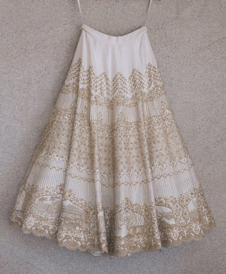 Vestido de noiva   Noiva bordou sua história de amor no vestido do casamento…