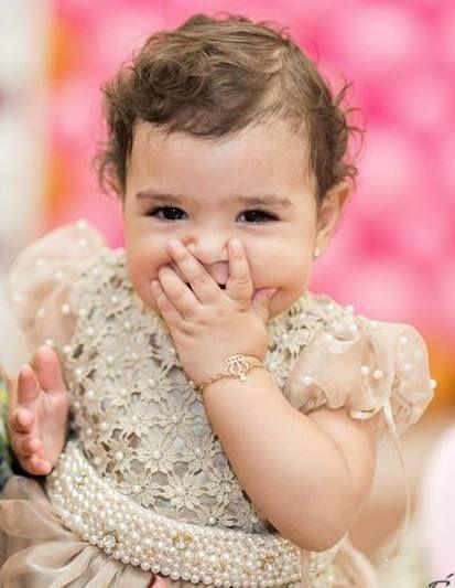 Uma princesa chamada Belle .... Ou será um anjo? Seu vestido  de um aninho...Foi encantador conhece-la e  vesti-la para um momento tão especial.