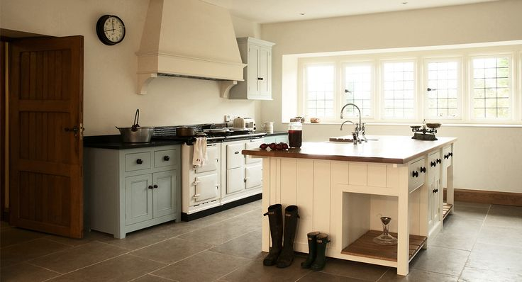 Traditional English kitchen Georgian style