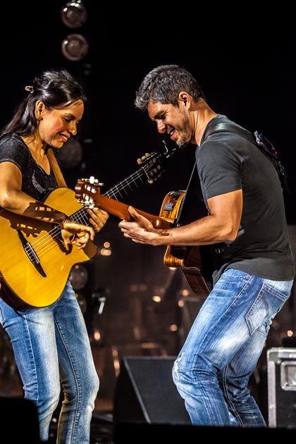 Shredding Nylon: Rodrigo y Gabriela   Premier Guitar