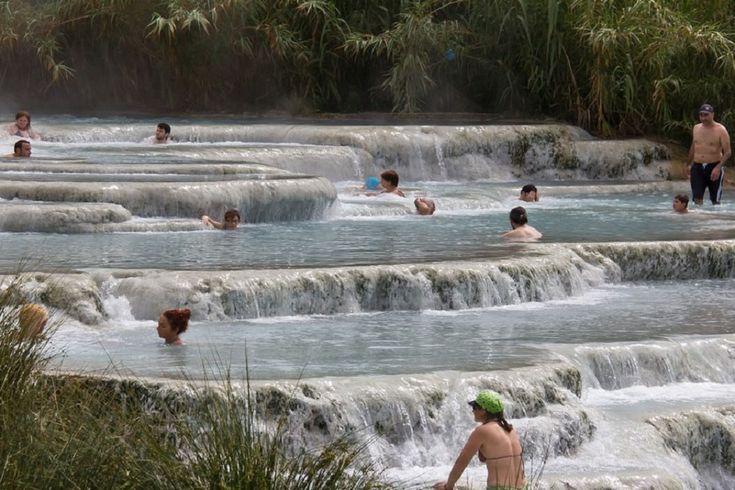 Ingyen fürödhet a gyönyörű toscanai termálforrásban