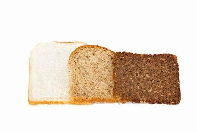Carbohidratos buenos, los que debes evitar y el índice glucémico: Elige alimentos altos en fibra estos tienen un menor impacto en los niveles de azúcar en la sangre.