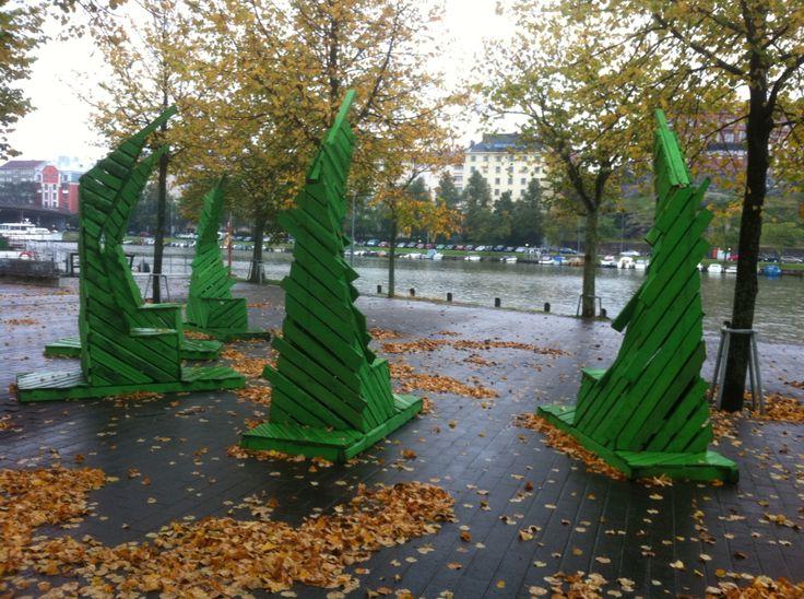Handmade street furniture. Oon Kaupungissa 2012 Helsinki.