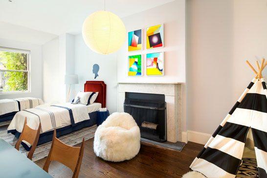 L'actrice Sarah Jessica Parker vend sa maison située dans le quartier Greenwich Village de New York pour une somme de 19,9 millions de dollars. | elliman.com #deco #star #newyork #chambre
