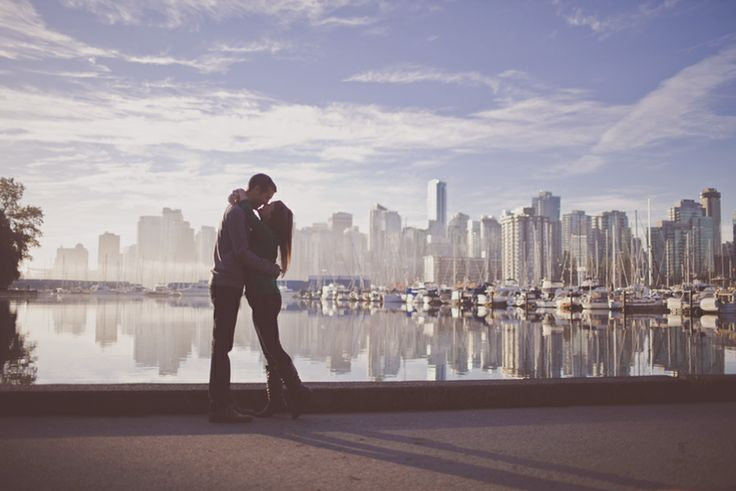 Engagement session - sunrise and the city of Vancouver
