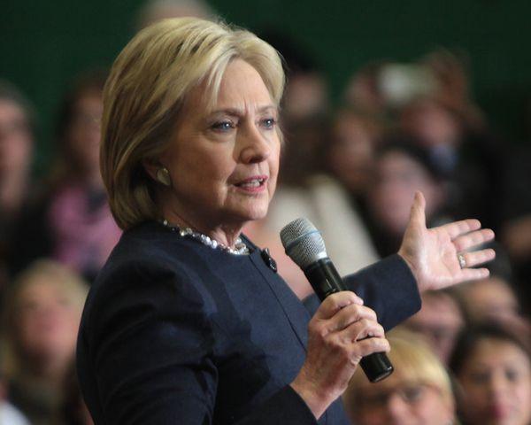 Hillary Clinton Health: Bill Clinton Admits Wife Is Sick - http://www.morningledger.com/hillary-clinton-health-bill-clinton-admits-wife-is-sick/13101843/