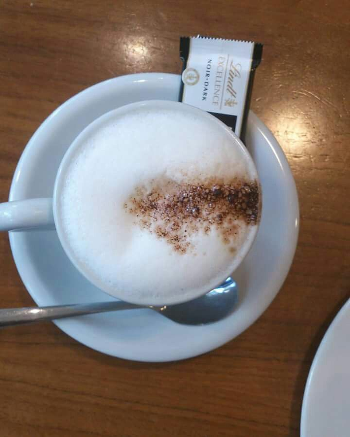 #cappuccino yes again! #lindt Feels weird to admit that I'm an #addict #VidaeCaffe is #love #coffeelover