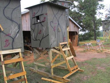 34 best images about deer stands on pinterest deer for Hunting camp house plans