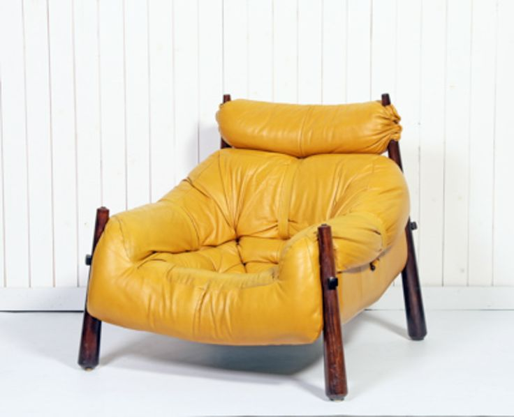 Great five-piece jacaranda wood and yellow leather lounge set by Percival Lafer, Brasil, 1950s