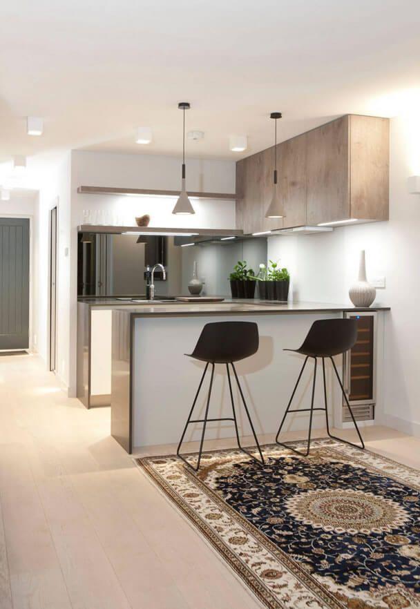 Compacte keuken met spiegelwand kl inspiratie woonkeuken pinterest - Woonkeuken american ...