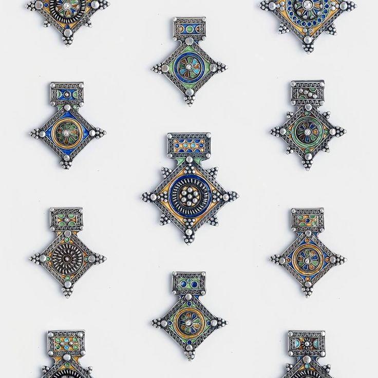 Amulete marocane una și una, adică unicat   #metaphora #morocco #silverjewellery #silverjewelry #pendant #enamel #amulet