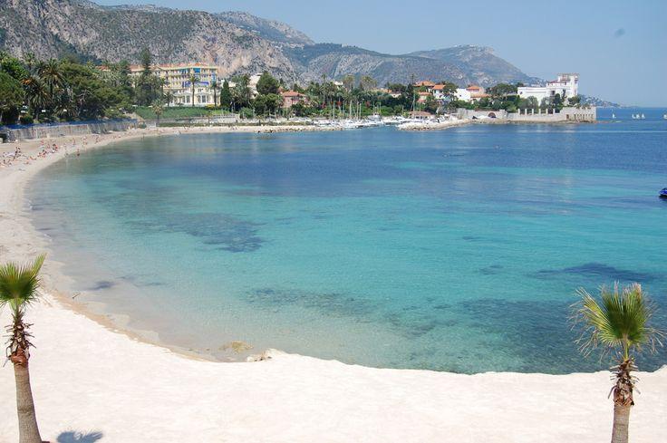 Connues dans le monde entier, les plages des Alpes-Maritimes sont parmi les plus belles de notre littoral. Pour une petite baignade, une simple balade ou pour profiter du panorama, tout simplement, voici nos coups de cœur.