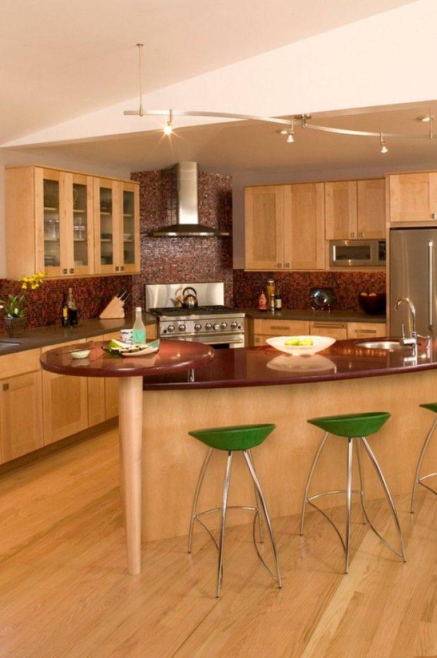 Большой угловой гарнитур для кухни
