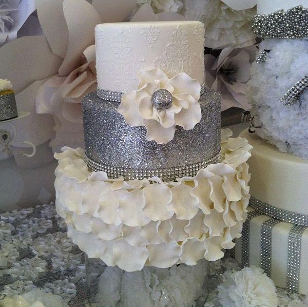 Wedding Cake Bling Beautiful Cakes That Sparkle Shine: Best 25+ Ruffled Wedding Cakes Ideas On Pinterest