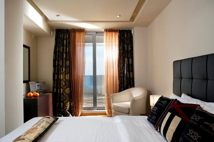 For your most luxurious and comfortable stay in Kalamata, Elite City Resort features Elite City Hotel and Elite Villas, which can accommodate you to standard and superior rooms, Junior Suites, Presidential and Executive Suites, as well as two-storey buildings.