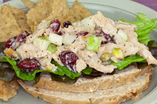 Recipe: Vegan Chik'n Salad with Cranberries and Pistachios... or use Beyond Meat instead of soy curls