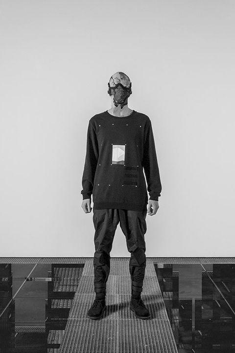 Trinitas – Volume VIII / Menswear / Sweatshirt / Pánské oblečení / Pánská mikina  #trinitas #sweatshirt #mikina #black #fashion  http://www.urbag.cz/nemecka-znacka-trinitas-predstavuje-osmou-progresivni-kolekci/