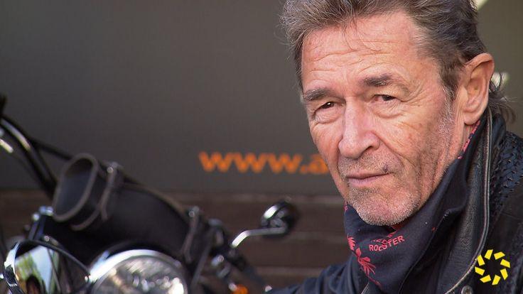 Peter Maffay zeigt uns seine Harley und bekommt Doppelplatin