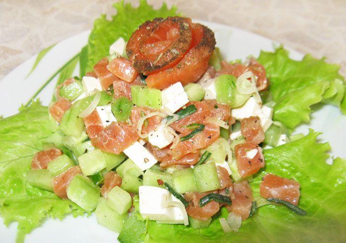 Рецепт салата из семги и креветок