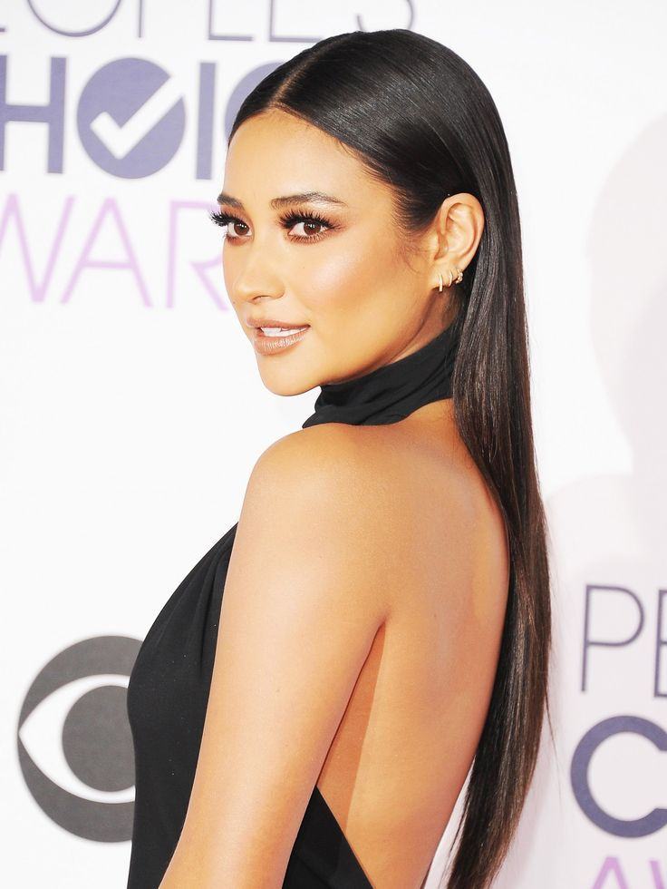 "Holen Sie sich den Look: Shay Mitchells glattes ""Weniger ist mehr"" Haar - #View #Received # Smooth #mitchells #Less -"