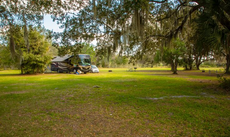 If you didn't know that Florida offered really fabulous Wild Camping at no cost, you do now! We share what we found and how we found it!