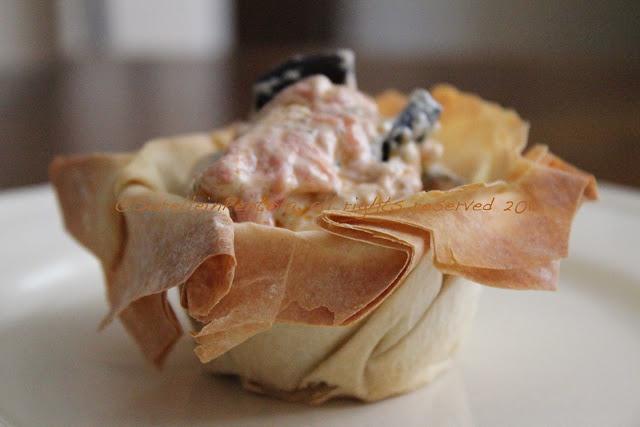 Cestini di pasta fillo con melanzane, ricotta e yogurt greco