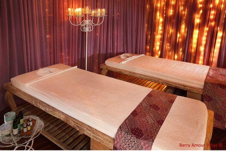 Couples massage anyone? Its got to be done! #zimmermangoesto