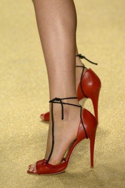 Christian Louboutin #Shoes #Fashion @n17dg