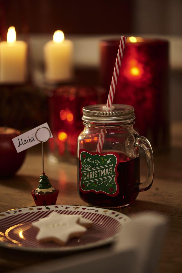 Weihnachtstisch #kerzen #keks #zimtstern #getränk #glühwein