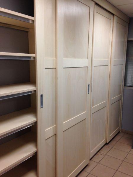 placard portes coulissantes par zeloko garage remodel sous sol and cupboard. Black Bedroom Furniture Sets. Home Design Ideas