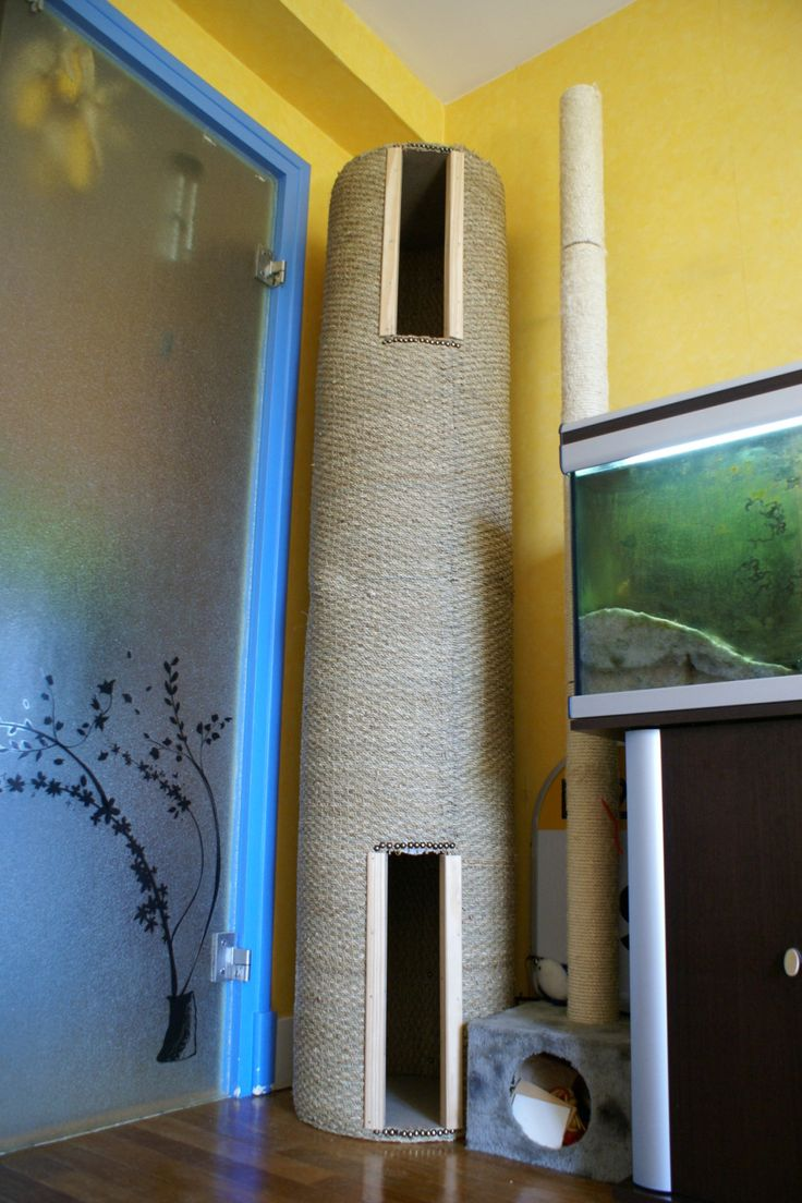 DIY Cat Tower step by step pictures - blog is in French can be translated with Google translate