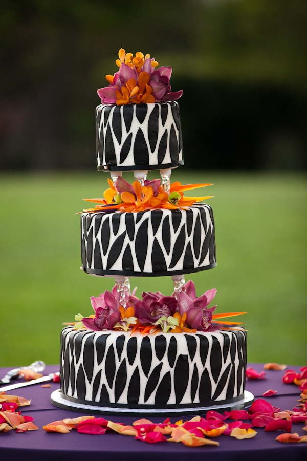 Safari Wedding Cake. Or my birthday cake considering my birthday is in the fall and these are great fall colors.