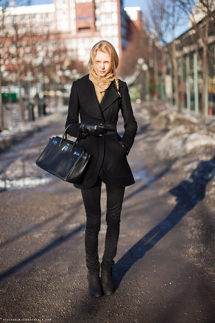 stockholm street style: Black Coats, Birkin Bags, Hermes Birkin, All Black, Street Style, Design Handbags, Allblack, Black Boots, Winter Chic