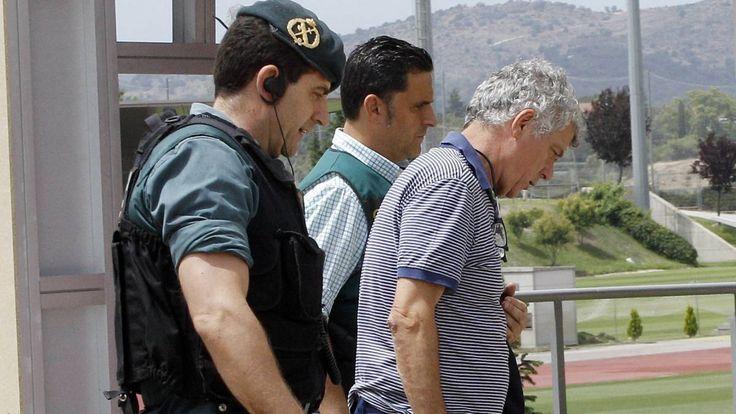 Operación Soule | Prisión incondicional sin fianza para Villar, su hijo y Juan Padrón - AS.com https://futbol.as.com/futbol/2017/07/20/mas_futbol/1500535402_680716.html