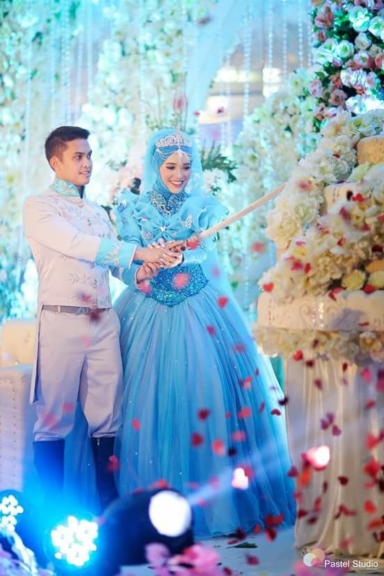 Cinderella muslim wedding dress <3
