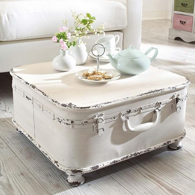 How I love such things in the house!  Fascinating! I'll go to the attic to look for an old suitcase ...   Great idea by @lindylooks  #worldbestinteriors