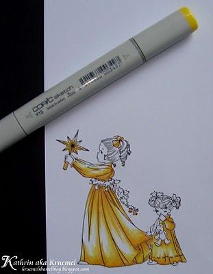 Hello dear Copic fans! Christmas is coming closer and gold will be a much used color for the next few weeks or months. So I thought I would ...