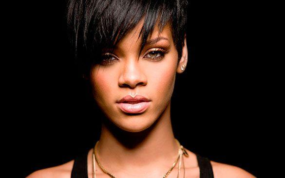 8. Rihanna: no es sorprendente encontrar a la cantante de Barbados. Su espectacular figura y su belleza la hacen aparecer prácticamente siempre en este tipo de ranking.