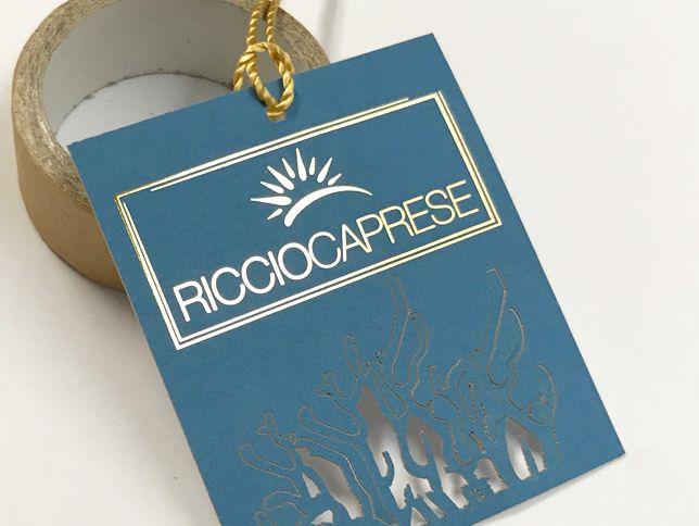 Cartellini stampa in digitale + softouc + laminatura in oro a caldo digitale + lavorazione al laser
