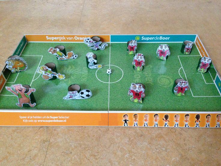 Gewoonte 6 is ook apart als verteltafel. Voetbalspel met de kids van Zeveneik die spelen tegen de boze dassen. Ze winnen uiteindelijk door het samenspel.