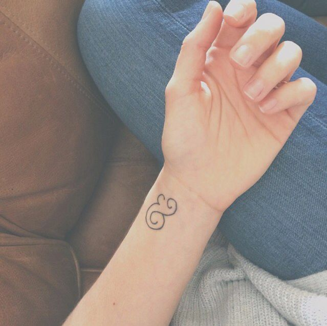 17 really bitchin' ampersand tattoos to give you ink envy
