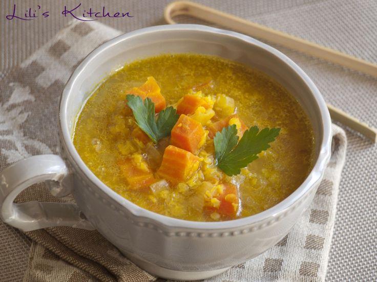 Soupe de lentilles corail à la carotte, au lait de coco, au curcuma et au curry